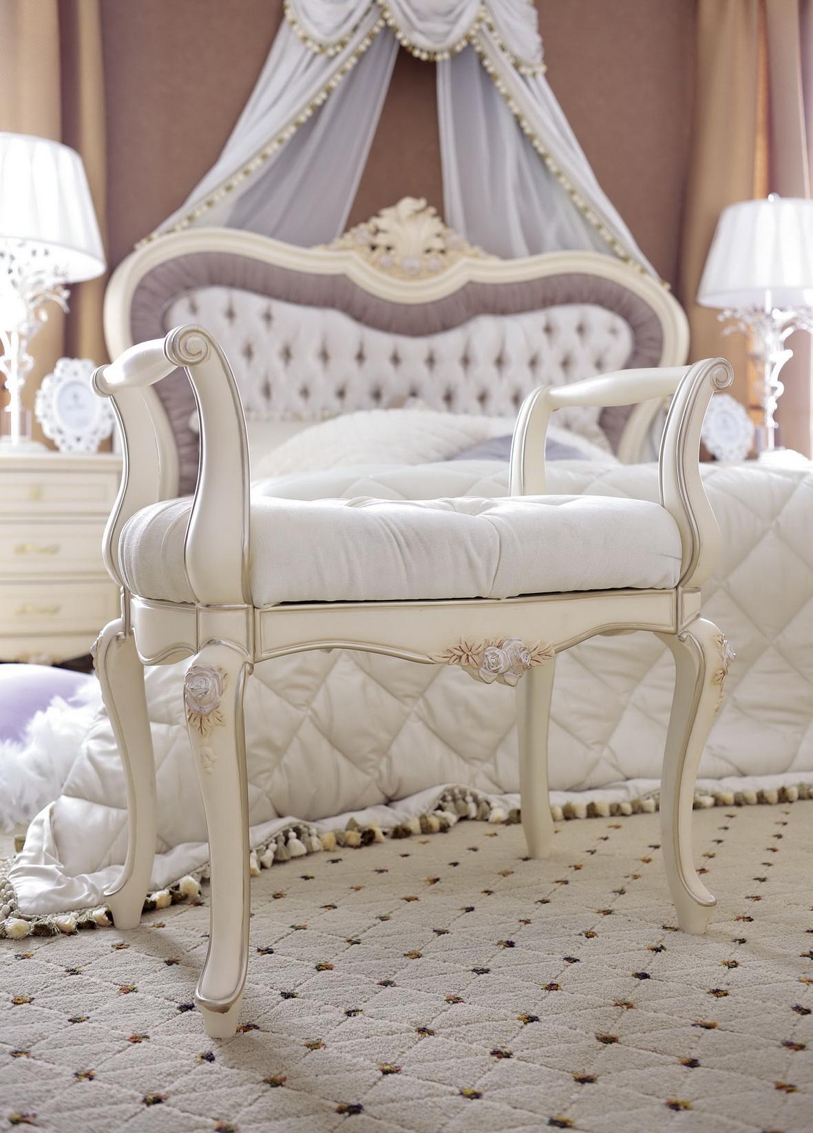 Мебель для спальни белая классика